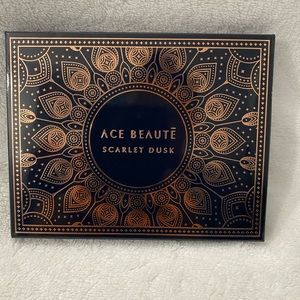 Never used Ace beaute scarlet dusk pallet